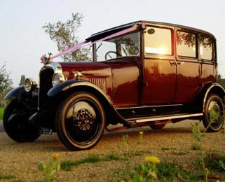 A photo of the Vintage Citroen at dusk